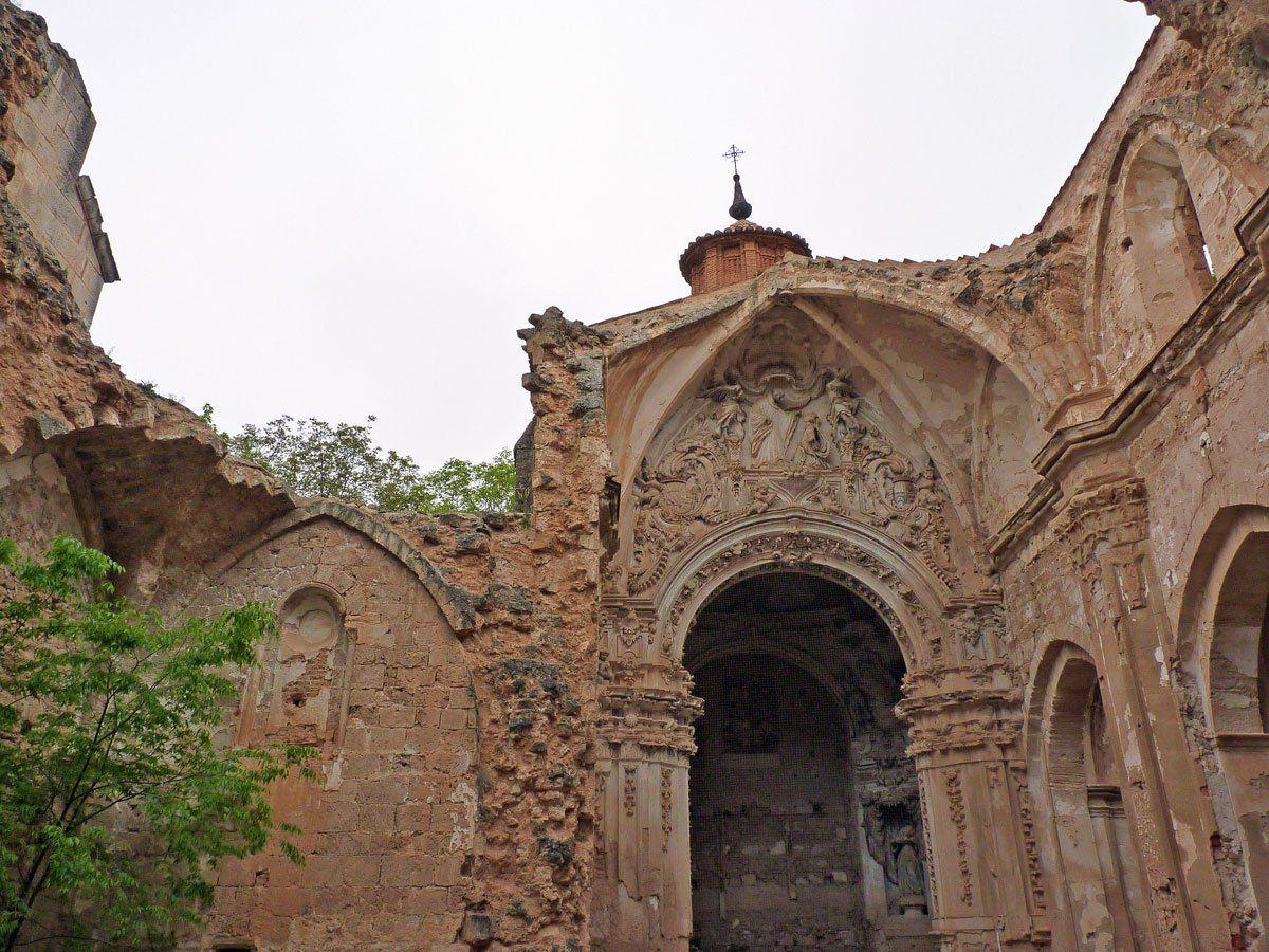 ruinas-del-monasterio-de-piedra